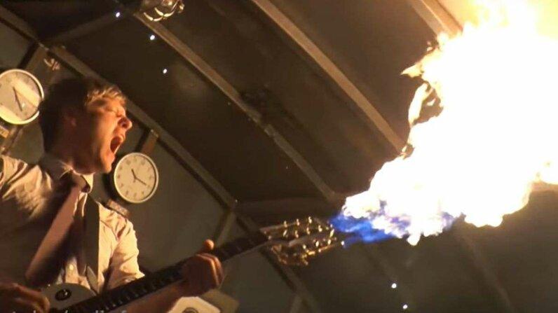 Flamethrowing Guitar & Smokin Bass colinfurze/YouTube