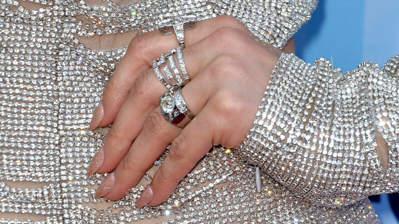 jennifer lopez, platinum rings