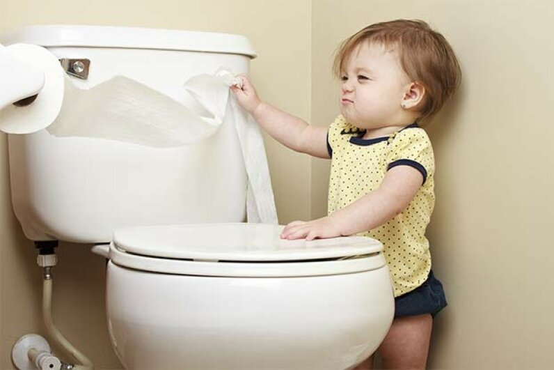 It's not a good idea to pull off more paper than you need! What else is bad bathroom etiquette? markcarper/iStock/Thinkstock