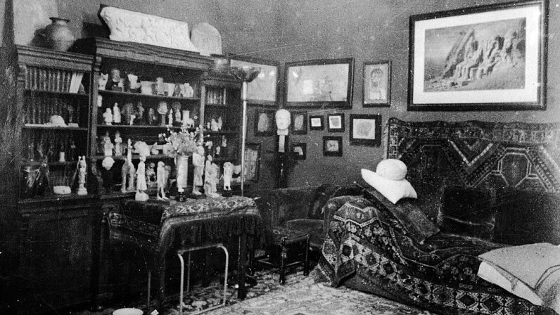 This interior view of the study used by Sigmund Freud shows the famous couch. Authenticated News/Getty Images