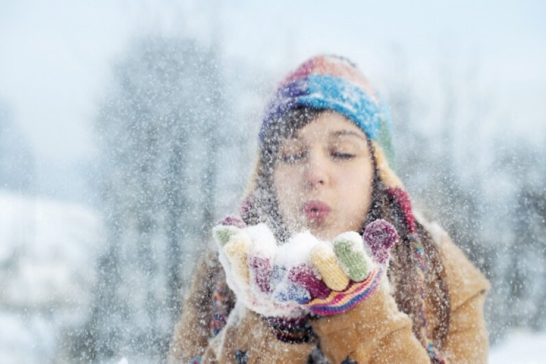 If you can't go outside and scoop up a handful of snow, you can always buy some fake stuff. gpointstudio/iStock/Thinkstock