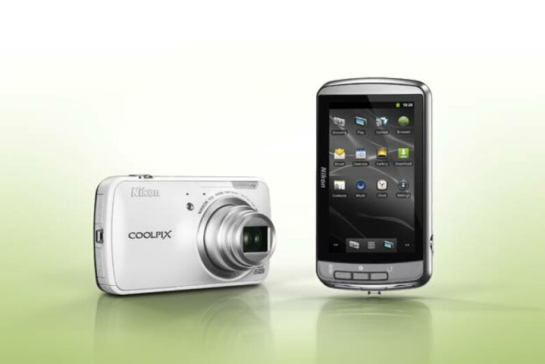 After taking a snapshot with the Nikon Coolpix S800c , you can edit the image directly in the camera and upload it to your favorite social network via built-in apps. NikonUSA