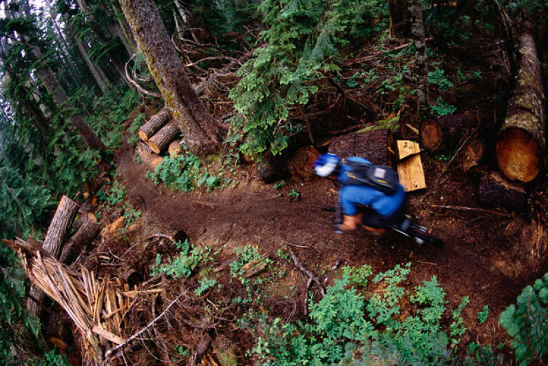 The Cascades are filled with beautiful and challenging mountain biking trails. © Chase Jarvis/CORBIS