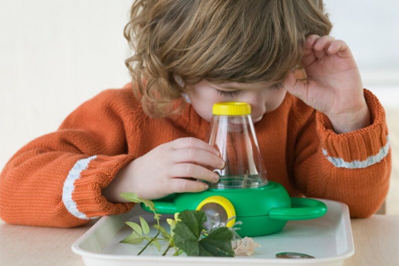 Toy microscopes come in simple versions (for younger budding scientists) as well as more technically complex ones. Vanessa Davies/Getty Images