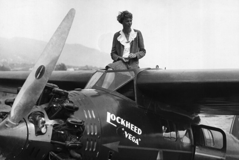 Amelia Earhart prepares for the All-Women's Air Derby in Long Beach, Calif. in 1929. © Underwood & Underwood/Corbis