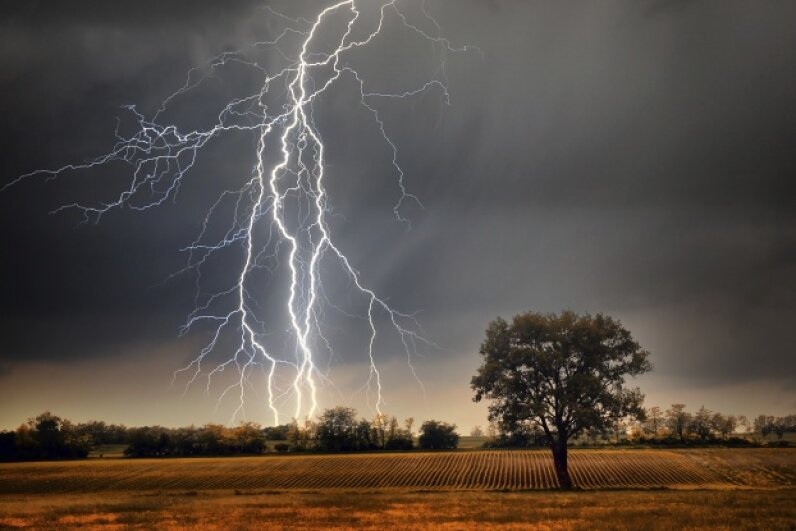 We non-meteorologist types get all sorts of things wrong about lightning, but the counting trick for determining storm distance isn't one of them. Balazs Kovacs/iStock/Thinkstock