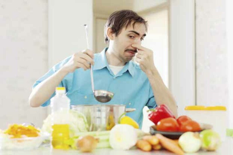 If you had to eat this, you might be calling 911 too. iStock/Thinkstock