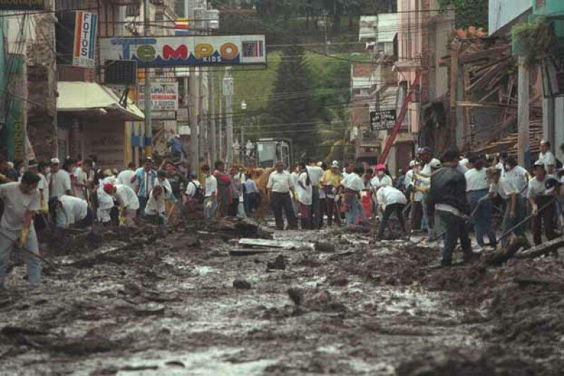 cleanup, mudslide, honduras, hurricane mitch