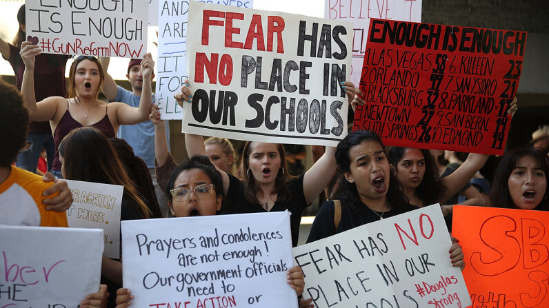 teens protest for gun control