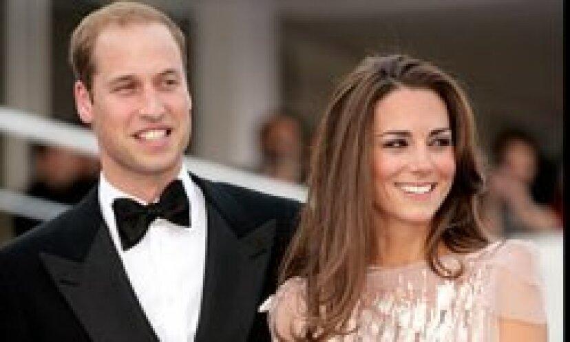 なぜ私たちは王室にとても魅了されているのですか?