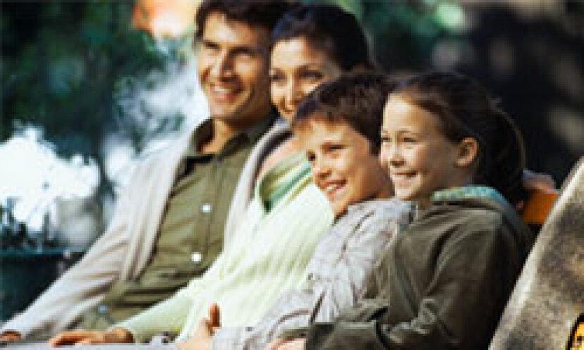 あなたの家族が地元の公園をきれいにするのを助けることができる10の素晴らしい方法