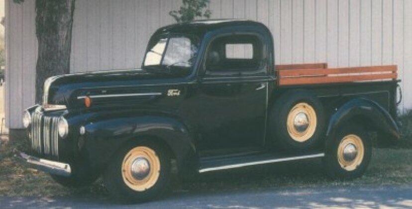 1942-1947フォードハーフトンピックアップ