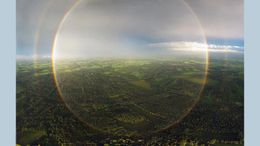 Wenn Regenbogen kreisförmig sind, warum sehen wir dann nur Bögen?