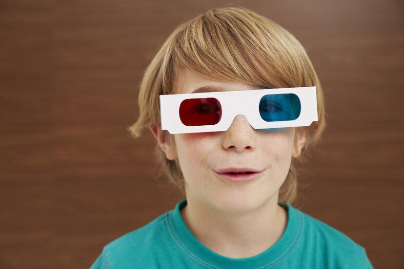 3Dメガネが赤と青にならないのはなぜですか?