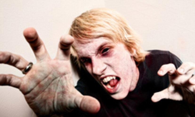 安い吸血鬼の牙を作る方法