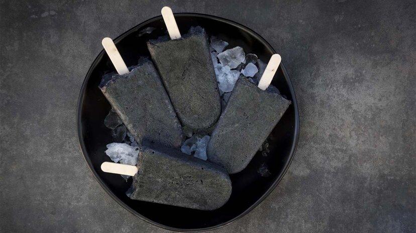 ¿Por qué la gente come carbón activado?