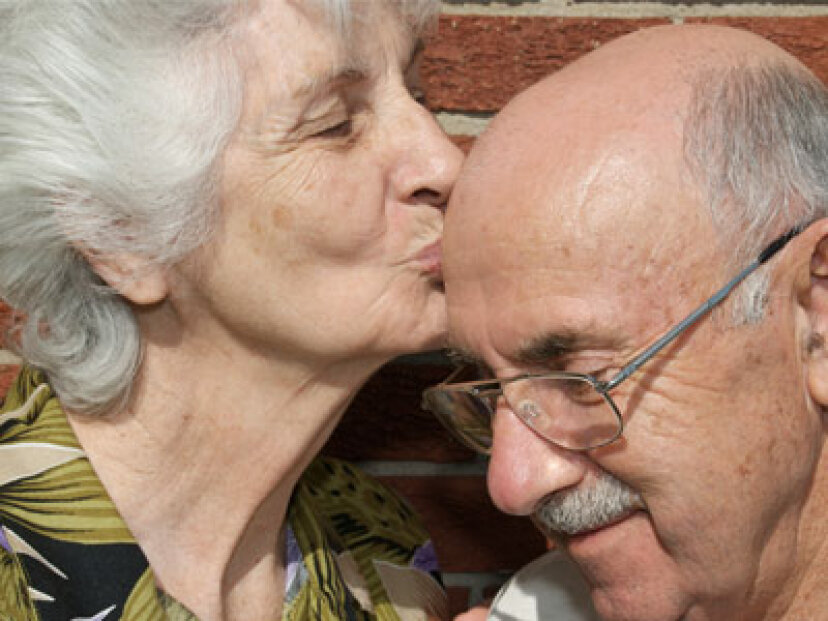 老化は性的健康にどのように影響しますか?