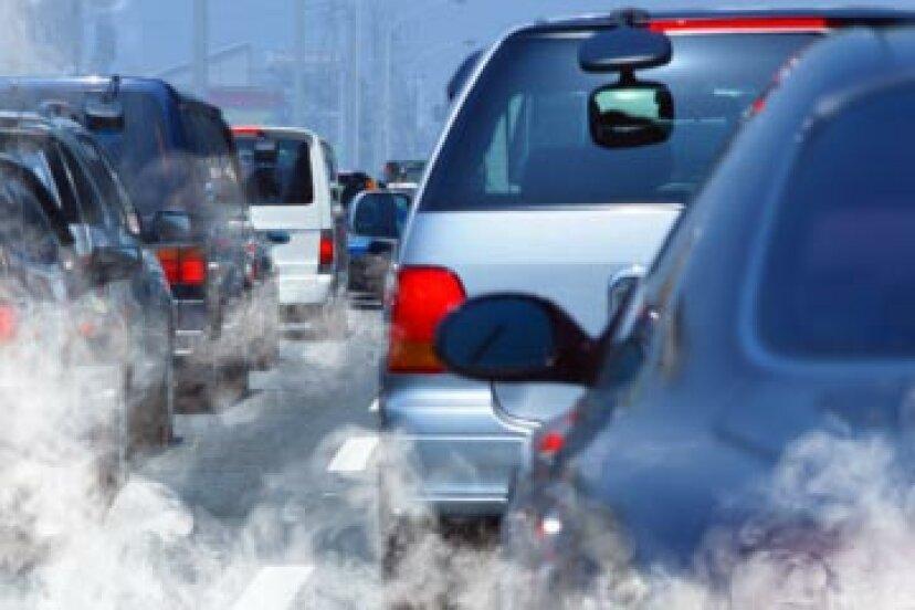 大気汚染の何パーセントが車によるものですか?