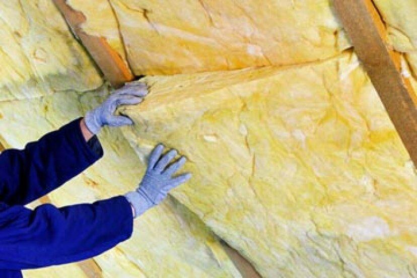 屋根裏部屋を断熱するための最もエネルギー効率の良い方法は何ですか?