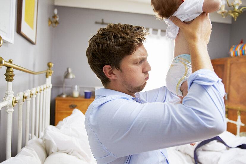 なぜ赤ちゃんのうんちはとても臭いのですか?