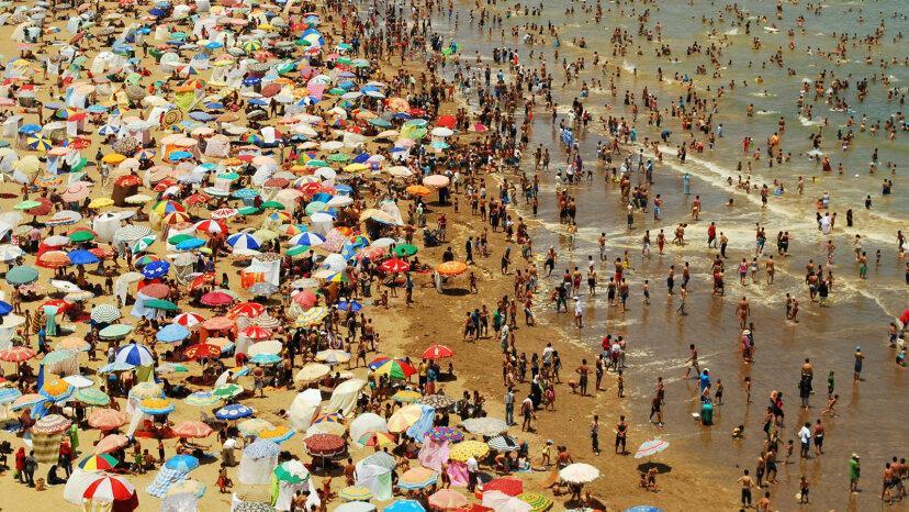 10 formas de evitar ser un fastidio en la playa