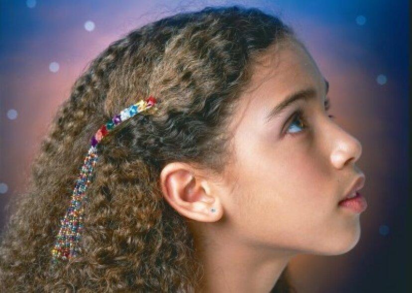 子供のためのビーズの髪留めを作る方法