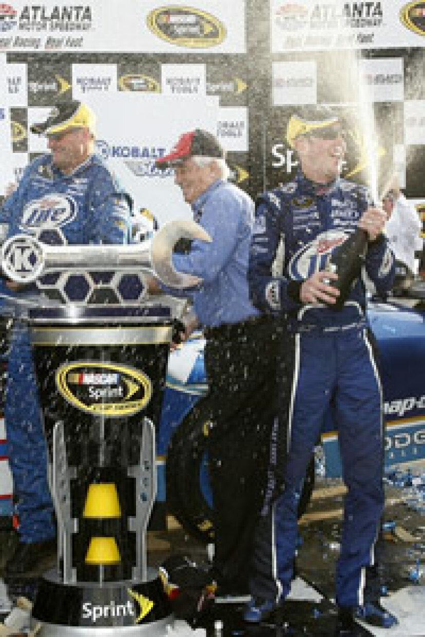 NASCARドライバーになる方法