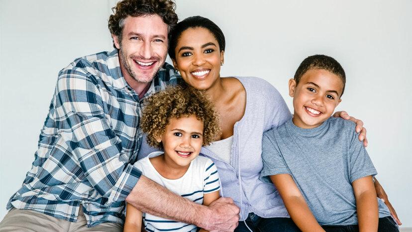研究は異人種間のアメリカ人についてのユニークなステレオタイプを強調します