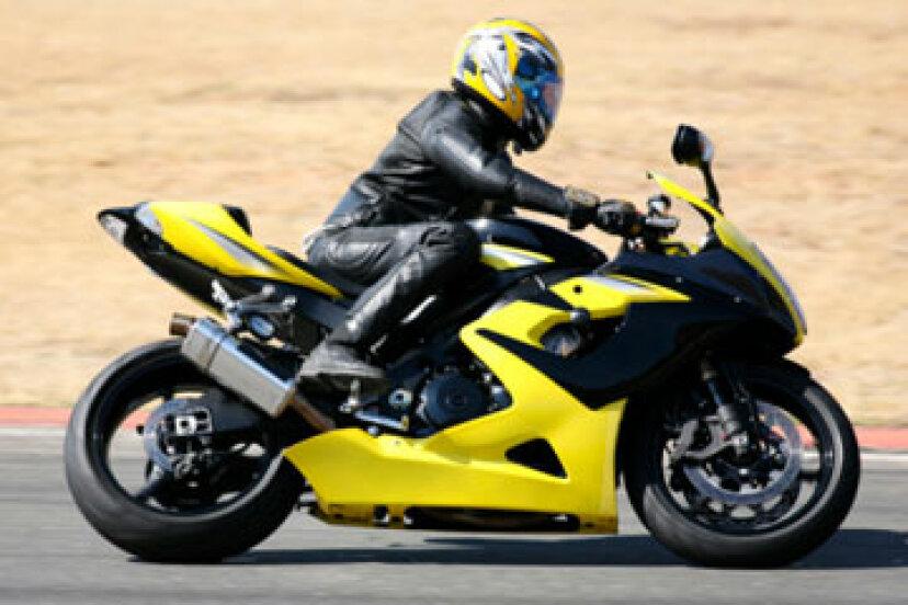 オートバイのボディアーマーは本当に必要ですか?