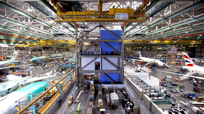 La instalación de Boeing en Everett es el edificio más grande del mundo