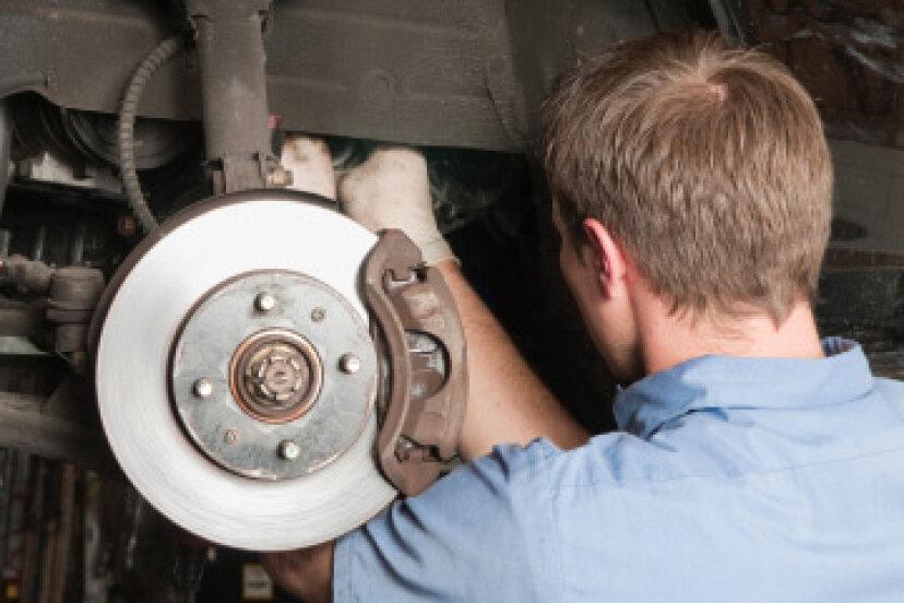 ブレーキの問題を診断するためにどのようなテストが機能しますか?