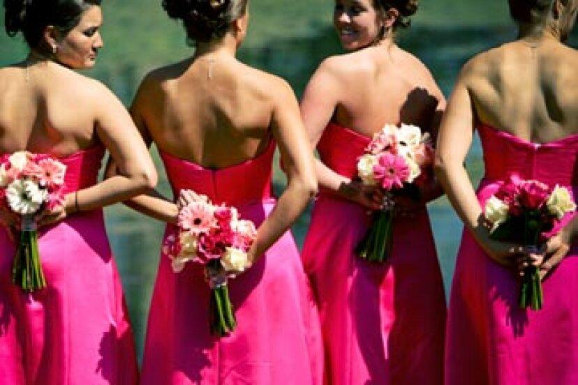 あなたの花嫁介添人は一致する髪型が必要ですか?