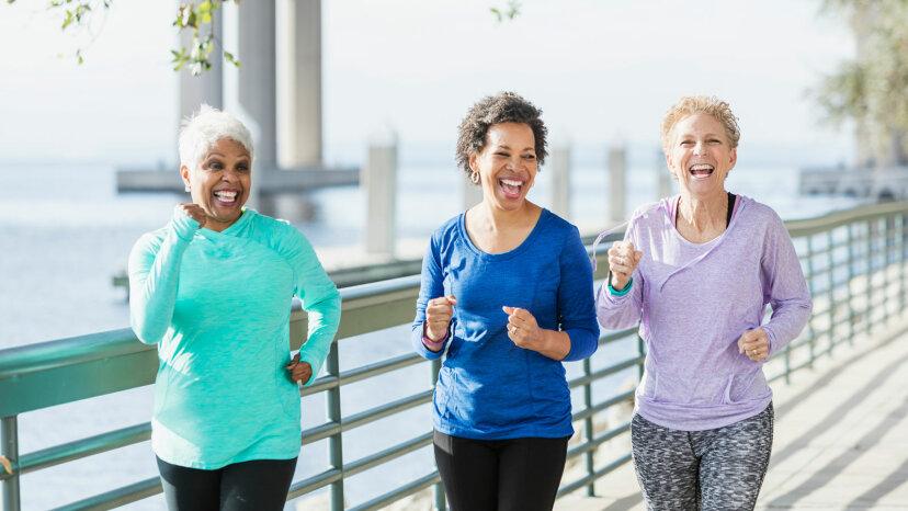週に1時間の活発な歩行で障害が軽減されます