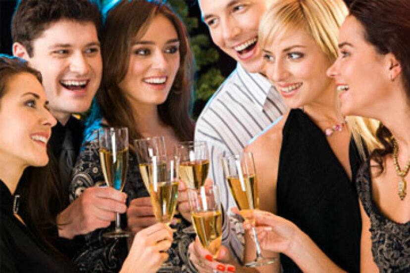 予算内で婚約パーティーを開く方法