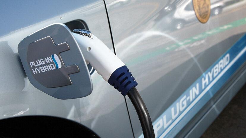 California propone la prohibición de los automóviles a gasolina y diésel