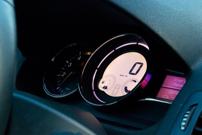 Dashboard of car PredragKezic/ThinkStock