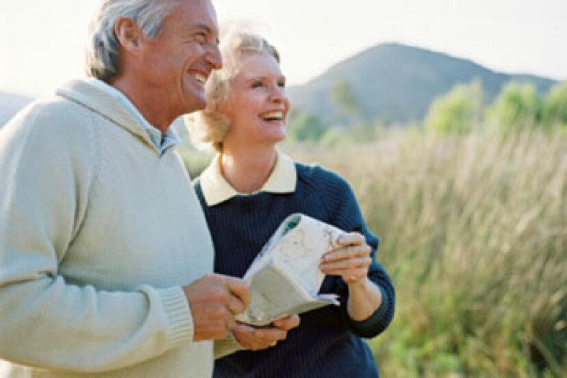 あなたが引退したときに旅行する最も安い方法は何ですか?