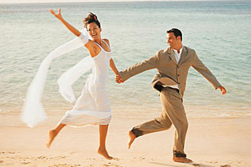 目的地の結婚式のためのブライダルガウンを選択する方法