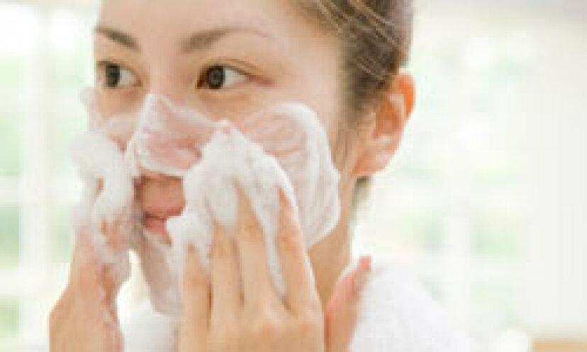 毎日の洗顔料を選択するためのトップ5のヒント