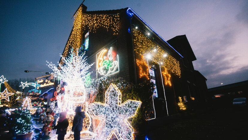 クリスマスライトコンテストを主催する方法