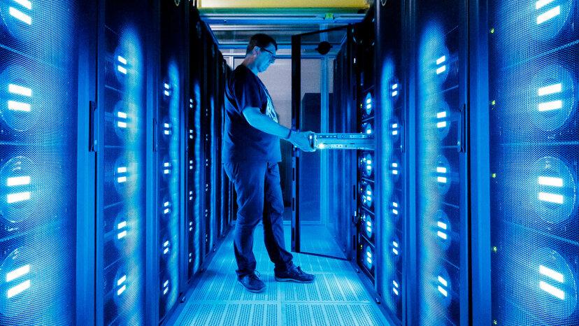 MistralÓ supercomputer