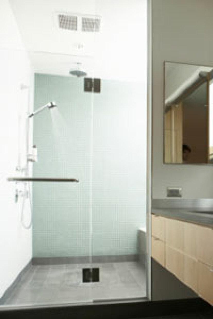 毎日のシャワーはお肌に負担がかかりすぎませんか?