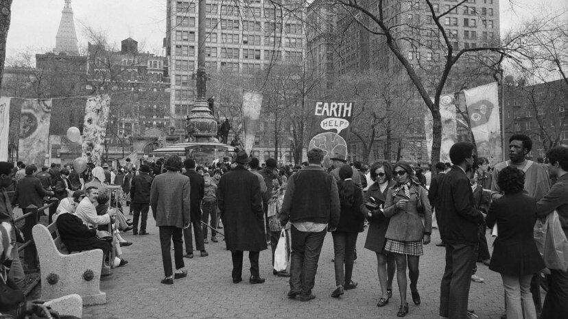 51年前の最初のアースデイから環境がどのように変化したか