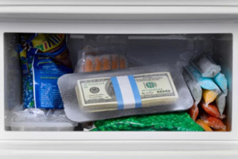 冷凍で食べて、質素に生きる