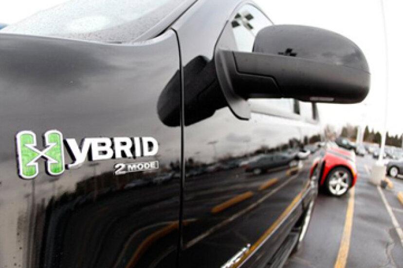 ハイブリッドカーの経済的影響は何ですか?