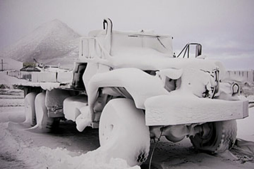 極端な気候はトラックにどのように影響しますか?