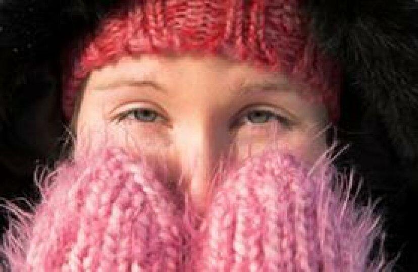 耐久性、防水性、暖かさ:古いセーターのフェルトウールミトン