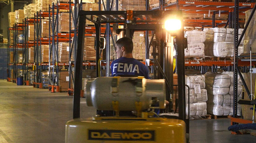 fema agent loading supplies