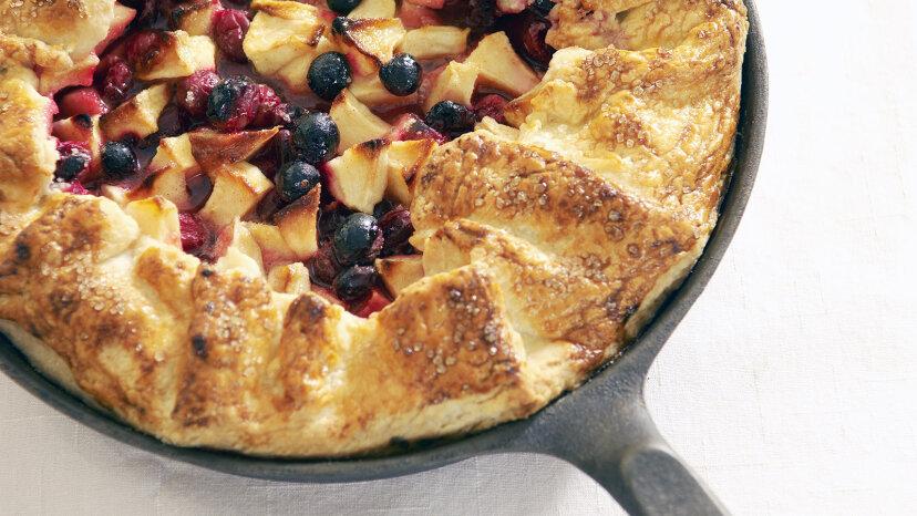 applie pie with cranberries