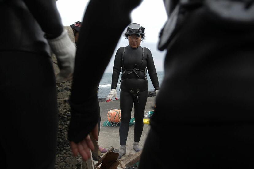 haenyeo free divers in korea